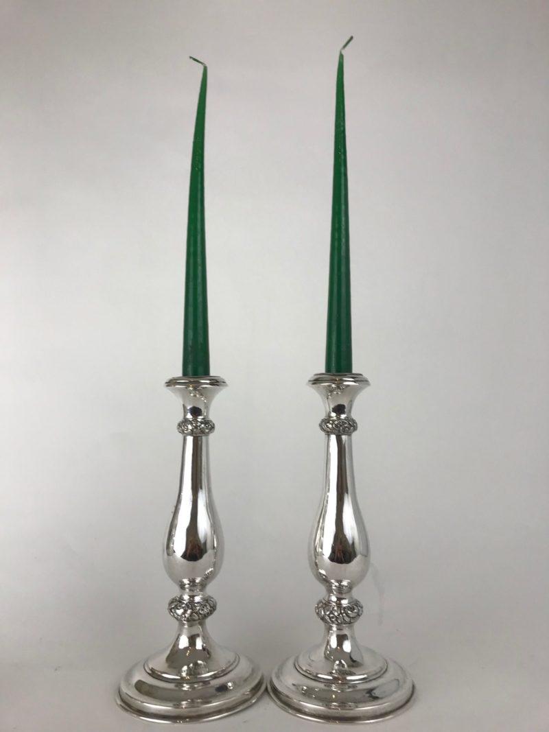 Elegante Leuchter-Paar, florales Band, Wien, zweite Hälfte des 19. Jahrhunderts