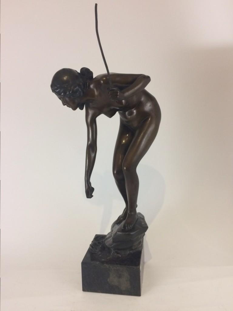"Bronzefigur, Prof. Victor Seifert, ""Anglerin"""