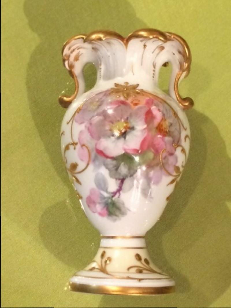 KPM Berlin Weichmalerei Vase, 1. Wahl mit Malereimarke, H.10 cm
