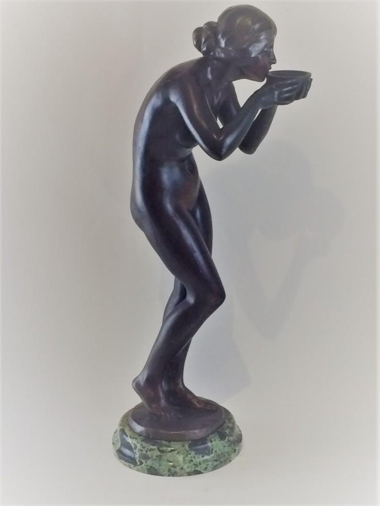 """Bronzefigur Prof. Victor Seifert """"Die Trinkende"""""""
