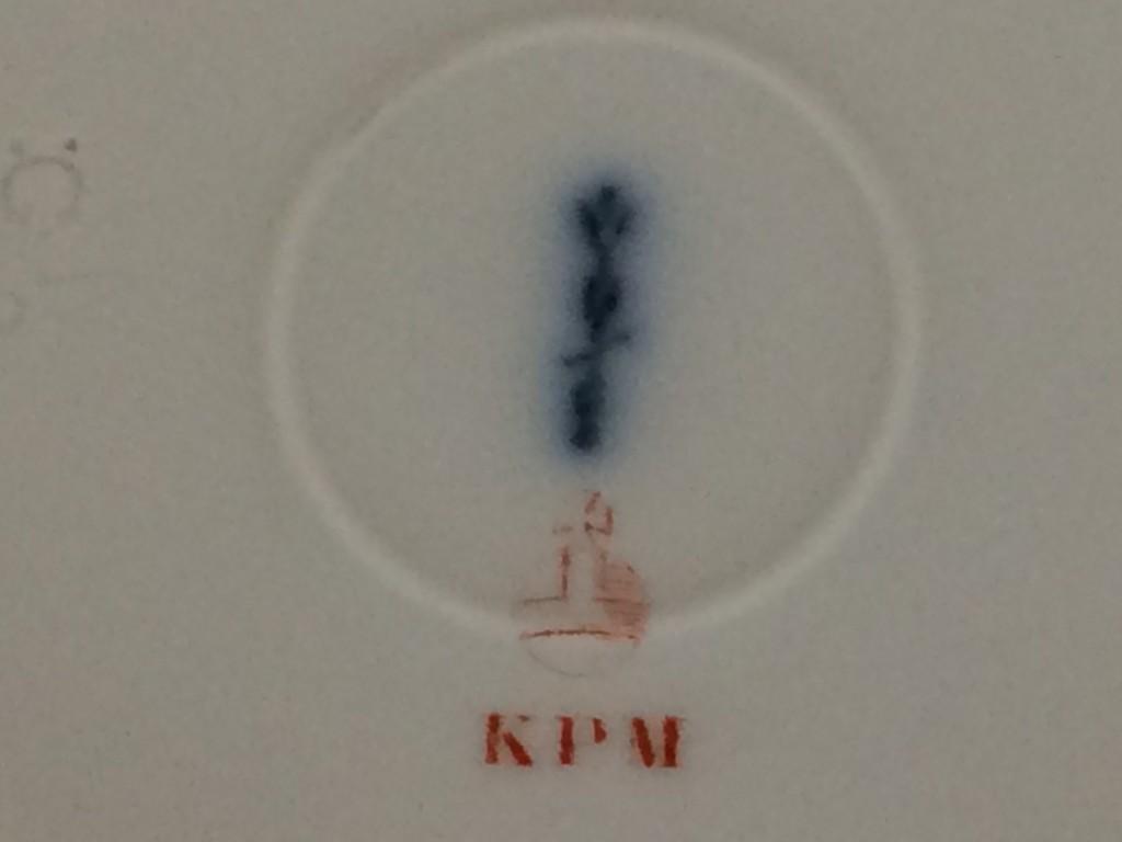 Zwei Teller mit Emaildekor, KPM Berlin um 1920