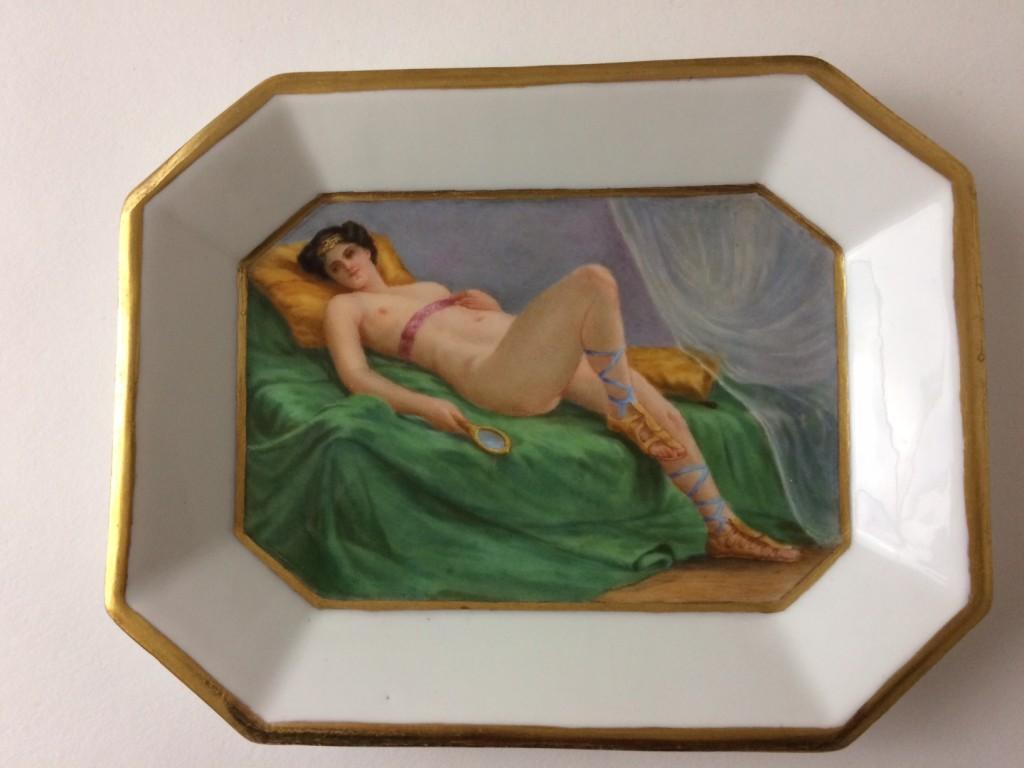 """Kleines schälchen, Meissen 1924-34, """"Frauenakt"""""""