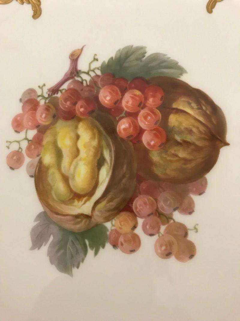 Grosser Posten Teller, KPM Berlin, Obstmalerei, Rocaillienrand