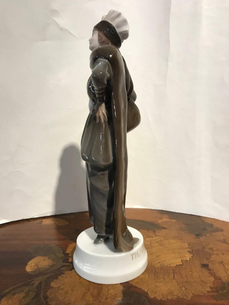 Rosenthal Figur, Entwurf Thekla Harth-Altmann 1914