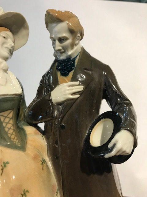 "KPM Berlin Porzellangruppe ""Herr und Dame"" aus der Biedermeierzeit"